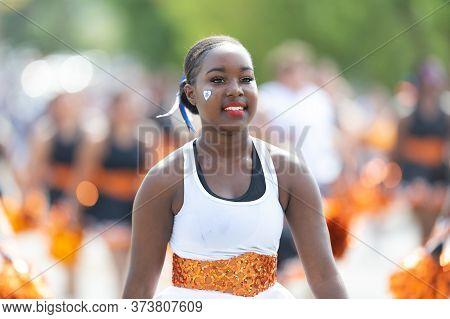 Arlington, Texas, Usa - July 4, 2019: Arlington 4th Of July Parade, Cheerleader Team Performing At T