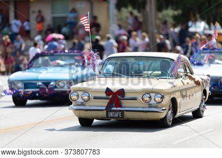 Arlington, Texas, Usa - July 4, 2019: Arlington 4th Of July Parade, Group Of Chevrolet Corvair, Carr