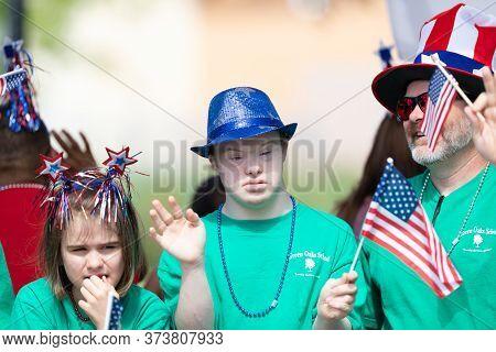 Arlington, Texas, Usa - July 4, 2019: Arlington 4th Of July Parade, Members Of The Green Oaks School