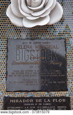 Corpus Christi, Texas, Usa - November 17, 2019: Plaque In Memory Of Selena Quintanilla, At The Beach