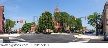 Crown Point, Indiana, Usa - July 27, 2019: The Crown Point Courthouse Square Historic District, Is L