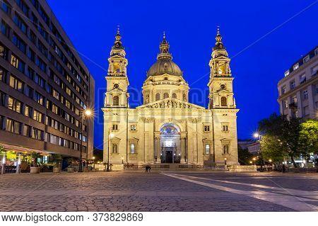 St. Stephen\'s Basilica At Night Illumination, Budapest, Hungary