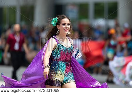 Indianapolis, Indiana, Usa - May 25, 2019: Indy 500 Parade, Mexican Dancers Wearing Traditional Clot