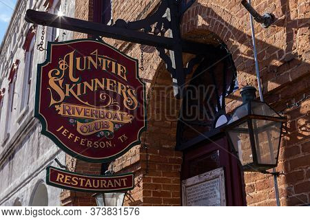 Jefferson, Texas, Usa - November 16, 2019: The Sign Of The Auntie Skinner's Riverboat Club