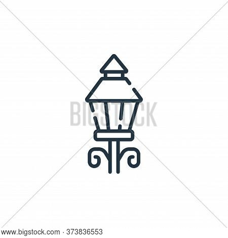 street lights icon isolated on white background from england collection. street lights icon trendy a