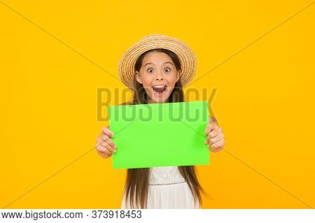 Time To Relax. Carefree Beauty Show Paper Sheet. Copy Space. Surprised Kid In Straw Hat. Child Adver
