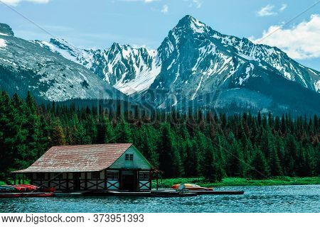 Beautiful Nature Landscape Of Spirit Island Jasper National Park Boat House Stock Image