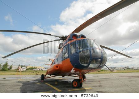 Helicopter MI 8
