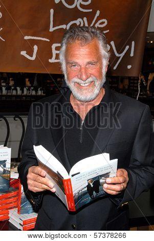 Jonathan Goldsmith  at a celebration of Jerry Weintraub's New Book