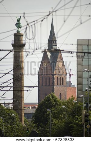 Hannover Marktkirche and Waterloo column