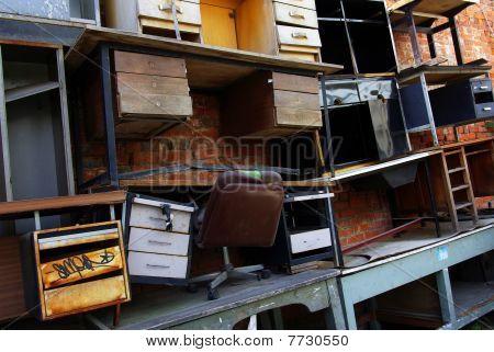 Schreibtisch-Schrott