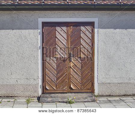 wooden brown door Munchen Germany
