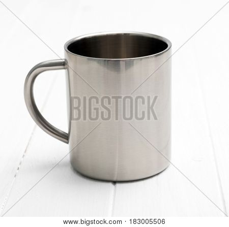 Simple and elegant metallic cup good for traveling, stainless and portable for trips