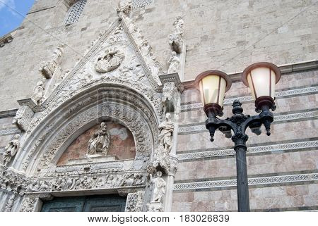 detail the facade of the Cathedral of Messina