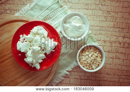 cottage cheese with wheat and sour cream