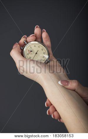 Sportswoman measures the heart rate beats 2