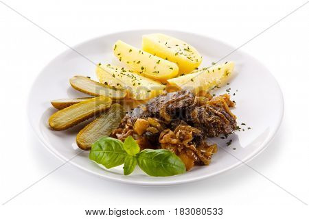 Fried liver with potatoes