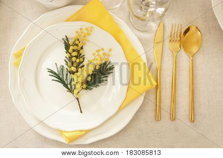 Table setting with floral decor