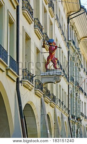 The Red Ape In Berne