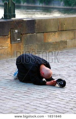 Poverty Life On The Street Scenery