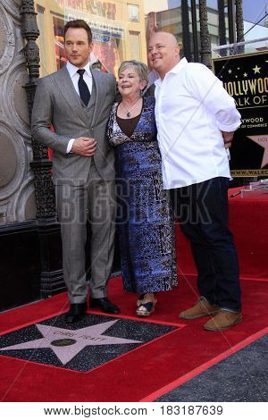 LOS ANGELES - APR 21:  Chris Pratt, Kathy Pratt, his brother at the Walk of Fame Star Ceremony on the Hollywood Walk of Fame on April 21, 2017 in Los Angeles, CA