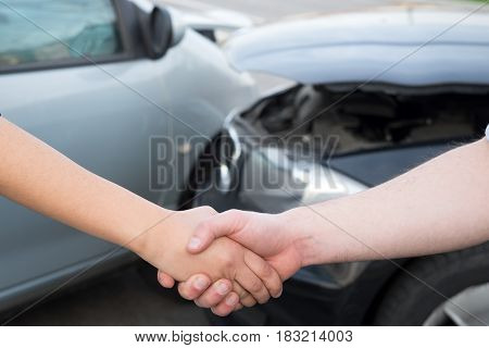 Man And Woman Finding An Agreement After Car Accident