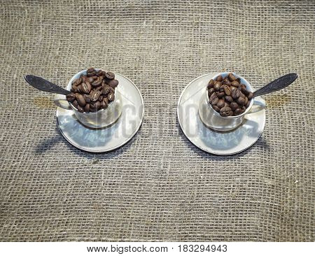 Fragrant fried coffee beans forward to becoming in a refreshing drink