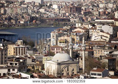 urban crowding in Istanbul, Turkey