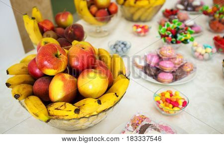 frutis on the table at wedding. close details