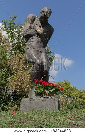 Kiev Ukraine - May 09 2016: Flowers at the monument to unknown soldiers soldiers without graves