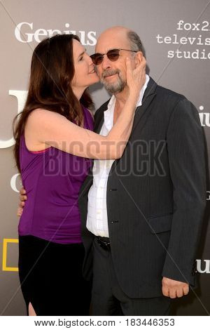 LOS ANGELES - APR 24:  Sheila Kelley, Richard Schiff at the National Geographic's