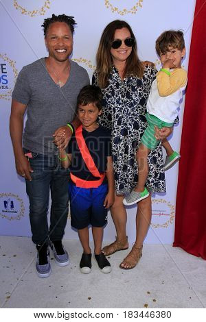 LOS ANGELES - APR 23:  Cobi Jones, family at the Safe Kids Day at the Smashbox Studios on April 23, 2017 in Culver City, CA