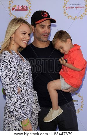 LOS ANGELES - APR 23:  Julie Solomon, Johnathon Schaech, Camden Schaech at the Safe Kids Day at the Smashbox Studios on April 23, 2017 in Culver City, CA