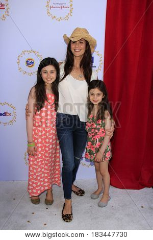 LOS ANGELES - APR 23:  Josselyn Hess, Samantha Harris, Hillary Hess at the Safe Kids Day at the Smashbox Studios on April 23, 2017 in Culver City, CA