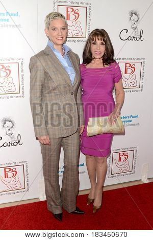 LOS ANGELES - APR 23:  Patricia Ward Kelly, Kate Linder at the Professional Dancers Society's 30th Gypsy Awards at the Beverly Hilton Hotel on April 23, 2017 in Beverly Hills, CA