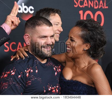 LOS ANGELES - APR 08:  Guillermo Diaz and Kerry Washington arrives to the