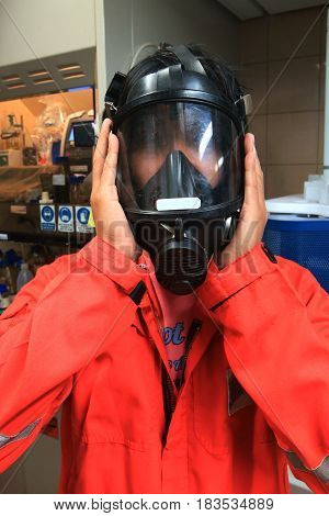 Fireman wear self contained breathing apparatus in laboratiory