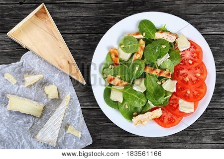 Spinach, Grilled Chicken Breast Slices, Tomato Salad