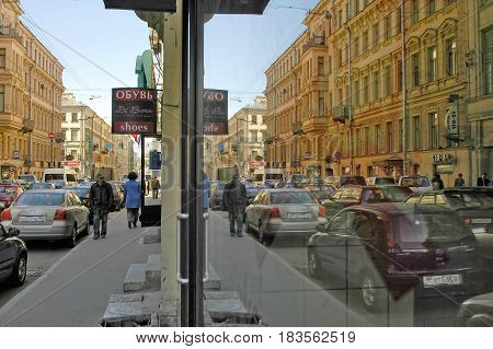 Saint-Petersburg, Russia - May 15, 2006: Evening traffic on Nevsky Prospect