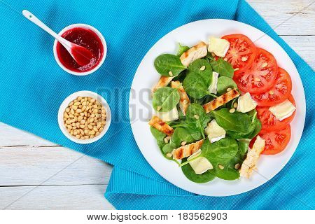 Low Calories Spinach, Grilled Chicken Breast Salad