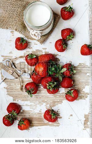 Strawberry Yogurt With Berries