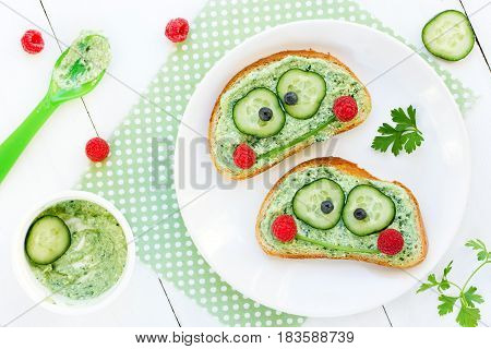 Frog sandwiches for kids creative idea for healthy baby food