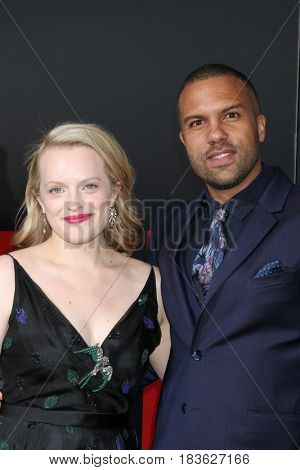 LOS ANGELES - APR 25:  Elisabeth Moss, O-T Fagbenle at the Premiere Of Hulu's