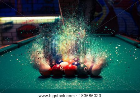 Billiard Balls Break Up Into Particles And Fracture When Broken
