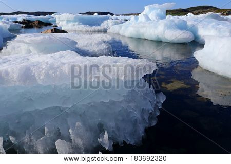 drift ice, snow and ice on the sea