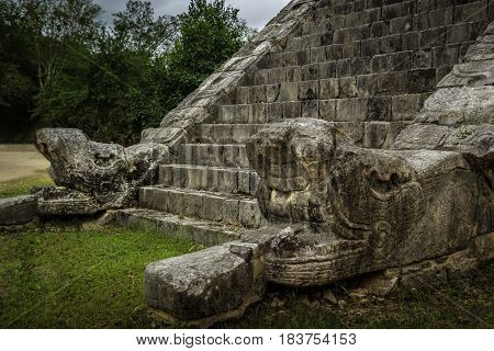 The Osario itself like El Castillo is a step-pyramid temple dominating its platform only on a smaller scale. Like its larger neighbor it has four sides with staircases on each side.