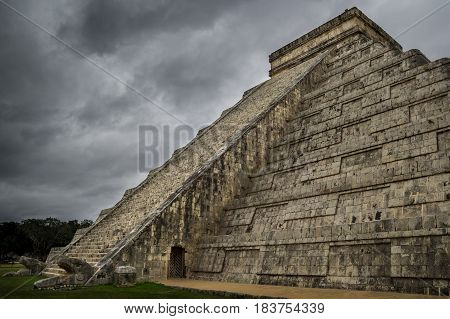 Chichen Itza was one of the largest Maya cities and it was likely to have been one of the mythical great cities.