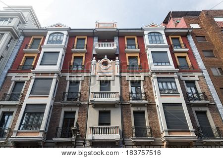 Leon (Castilla y Leon Spain): facade of a residential building along the Avenida Suero de Quinones