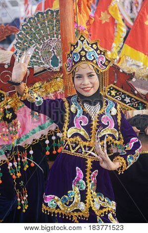 Semporna,Sabah-Apr 22,2017:Beautiful sea Bajau girl of Semporna in traditional costume during Regata Lepa Lepa in Semporna,Sabah.It is a vibrant festival that pays homage to the lepa,the traditional single-mast sailing boat of the Bajau people of Semporna