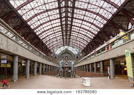 Interior Antwerp Central Station